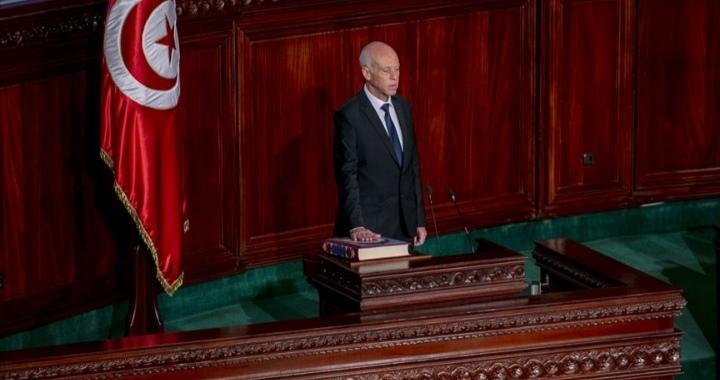 الرئيس التونسي: مرافق الدولة يجب أن تبقى خارج حسابات السياسة