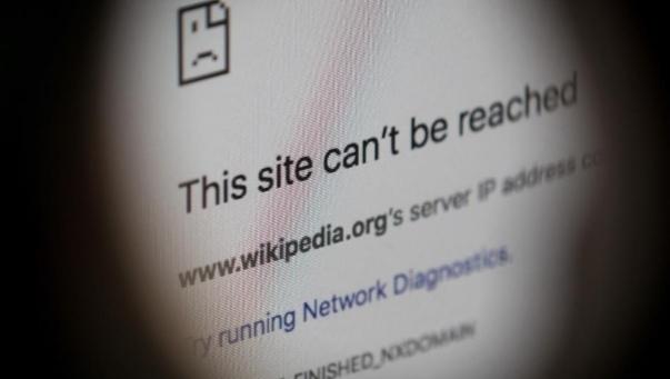 موقع ستراتفور يرصد تنامي لجوء الحكومات إلى قطع الإنترنت