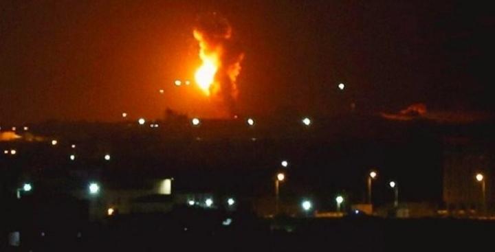 جيش الاحتلال يقصف أهدافا لحماس بغزة بعد إطلاق قذائف صاروخية