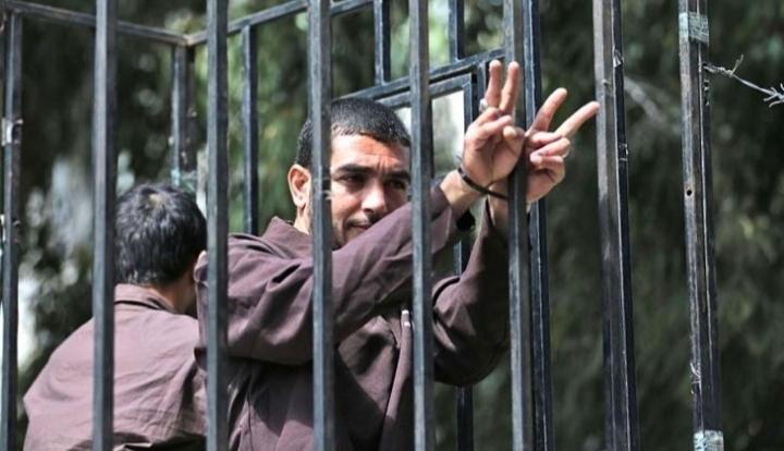 """إصابة معتقل فلسطيني ثالث بـ """"كورونا"""" في السجون الإسرائيلية"""
