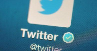 العقل المدبر عمره 17 عاما.. القبض على مخترقي تويتر الشهر الماضي
