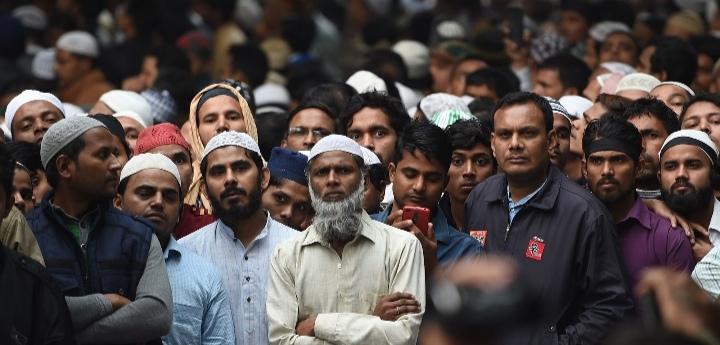 الهند.. تهجير آلاف المسلمين في ولاية آسام والمنصات تتداول مشهدا مروعا